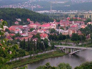 Pohled na Zbraslav, Vltavu a Most Závodu Míru
