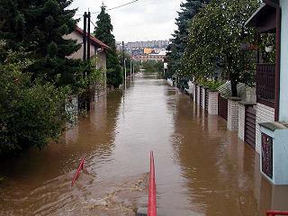 Zatopené Lahovičky, Praha 5 - Zbraslav. Povodeň 2002.